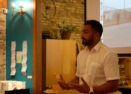 Serve 2 Unite co-founder Pardeep Kaleka explains the organization's mission. (Photo by Hannah Byron)