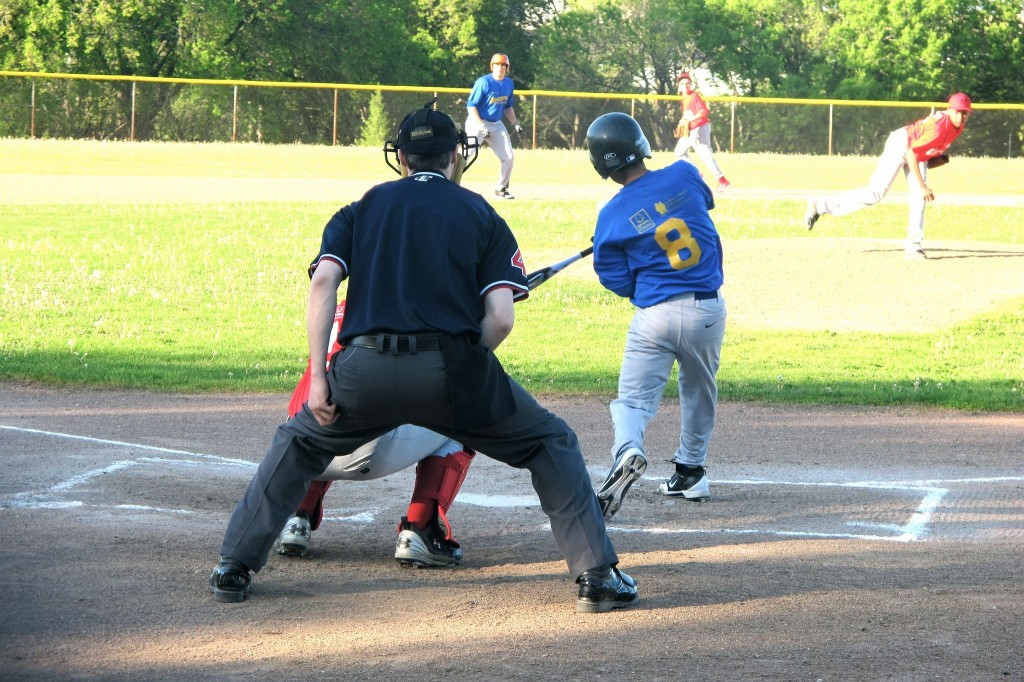 Felix Mantilla Little League teams have played their games at Baran Park, 2600 S. Chase Ave., for decades. (Photo by Edgar Mendez)