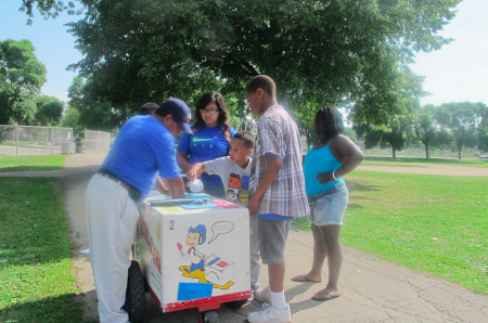 Customers purchase ice cream treats in Burnham Park. (Photo by Raina Johnson)