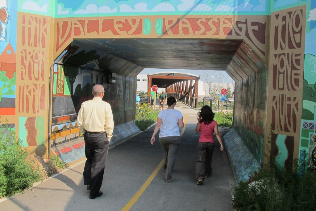 Pedestrian and bicyclists now have access to the Menomonee Valley through four new points including the Valley Passage. (Photo by Edgar Mendez)