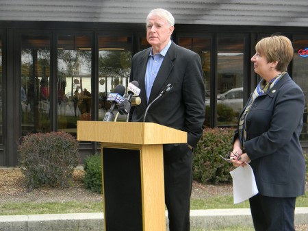 Mayor Tom Barrett and Library Director Paula Kiely announced plans for the Milwaukee Public Library system in October 2013. (Photo by Maria Corpus)